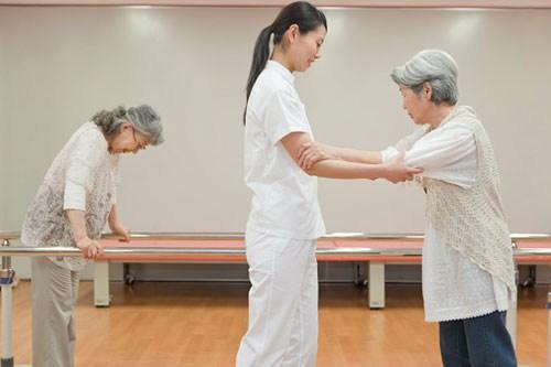 Hướng dẫn chăm sóc sức khỏe tại nhà cho bệnh nhân